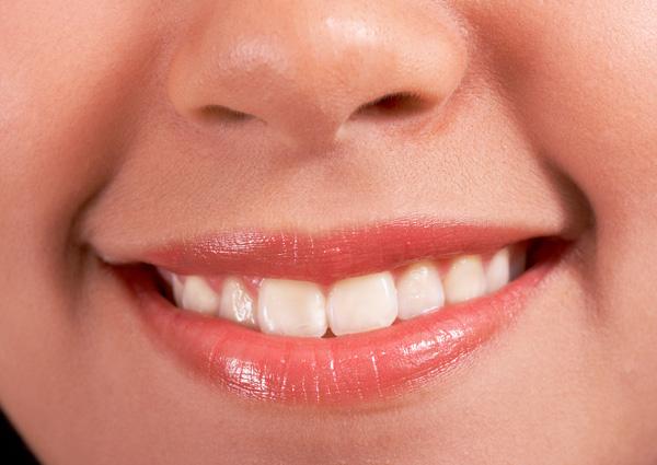 sposoby na domowe wybielanie zębów
