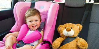 Jak podróżować z dzieckiem samochodem